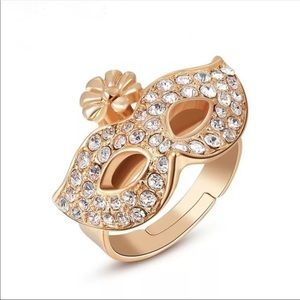 MASQUERADE RING IN GOLD OR SILVER